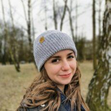 Dziewczyna w czapce