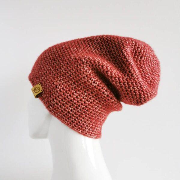 przejściowa czapka na szydełku czerwona
